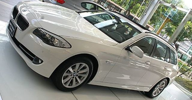 2011 BMW 5-Series Touring 520d  第2張相片