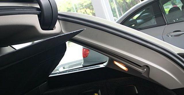 2011 BMW 5-Series Touring 528i  第9張相片