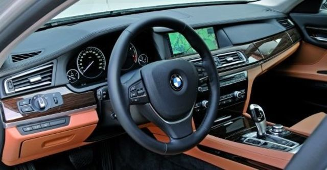 2011 BMW 7-Series 730Li  第4張相片