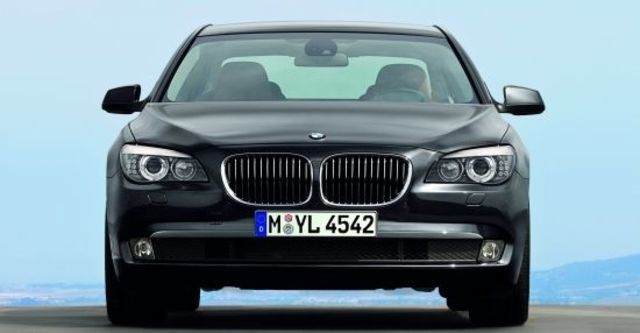 2011 BMW 7-Series 740i  第2張相片