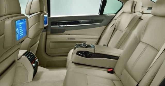 2011 BMW 7-Series 750Li  第9張相片