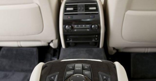 2011 BMW 7-Series 760Li  第10張相片
