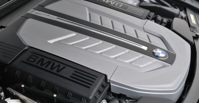 2011 BMW 7-Series 760Li  第13張相片