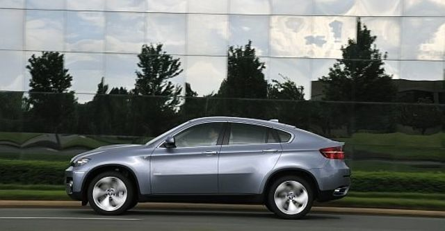 2011 BMW X6 ActiveHybrid  第4張相片