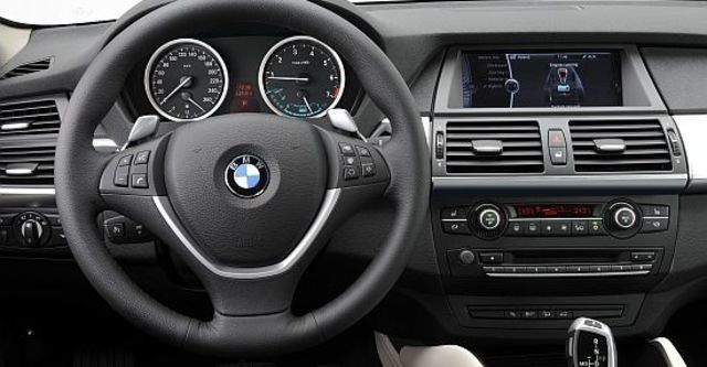 2011 BMW X6 ActiveHybrid  第7張相片