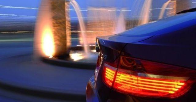 2011 BMW X6 xDrive40d  第3張相片