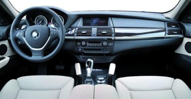 2011 BMW X6 xDrive50i  第7張相片