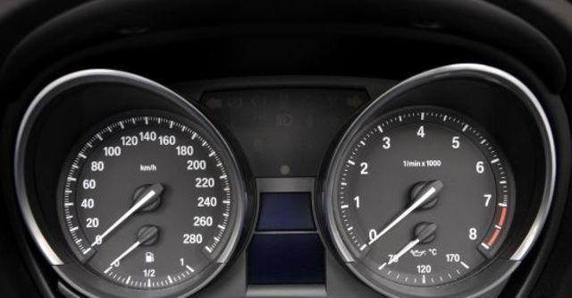 2011 BMW Z4 sDrive35i  第9張相片