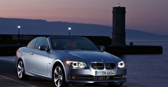 2010 BMW 3-Series Convertible 320i  第5張相片