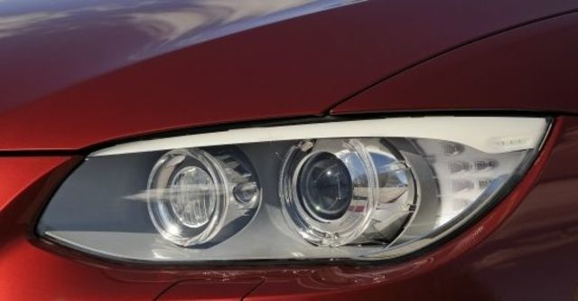 2010 BMW 3-Series Coupe 320i  第5張相片