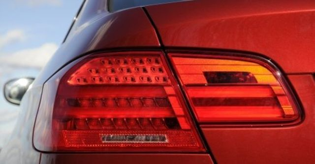 2010 BMW 3-Series Coupe 320i  第6張相片