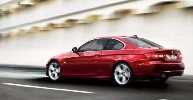 2010 BMW 3-Series Coupe 325i  第6張相片