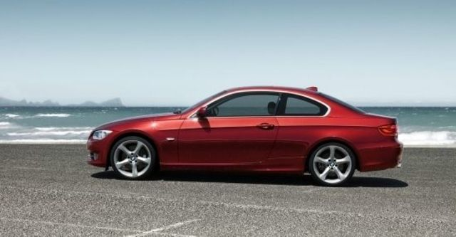 2010 BMW 3-Series Coupe 325i  第8張相片