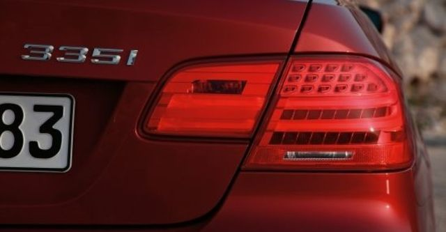 2010 BMW 3-Series Coupe 335i  第5張相片