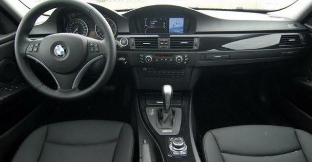 2010 BMW 3-Series Sedan 320i  第4張相片