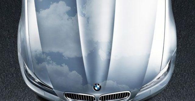2010 BMW 3-Series Sedan 320i  第8張相片