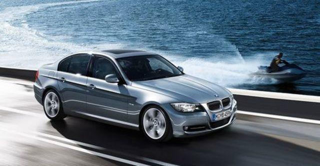 2010 BMW 3-Series Sedan 323i  第1張相片