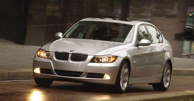 2010 BMW 3-Series Sedan 325i  第1張相片