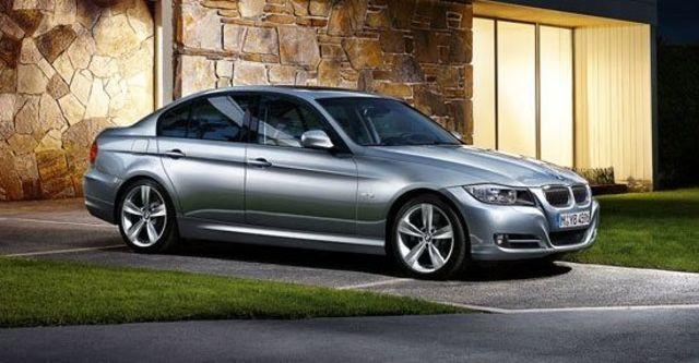 2010 BMW 3-Series Sedan 325i  第6張相片