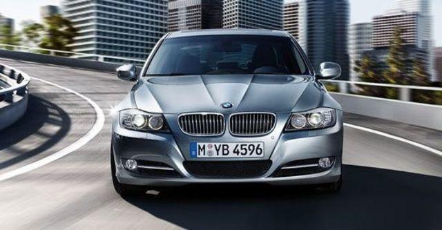 2010 BMW 3-Series Sedan 325i  第8張相片