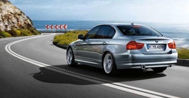 2010 BMW 3-Series Sedan 325i  第10張相片