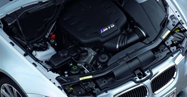 2010 BMW 3-Series Sedan M3  第7張相片