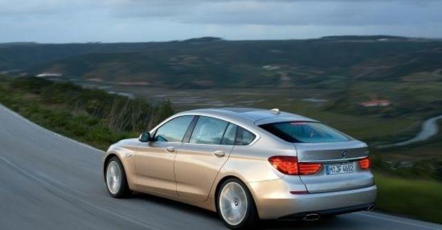 2010 BMW 5-Series GT 550i  第3張相片