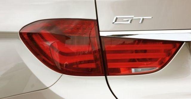 2010 BMW 5-Series GT 550i  第6張相片