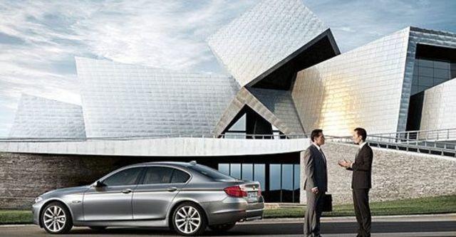 2010 BMW 5-Series Sedan 520d  第3張相片
