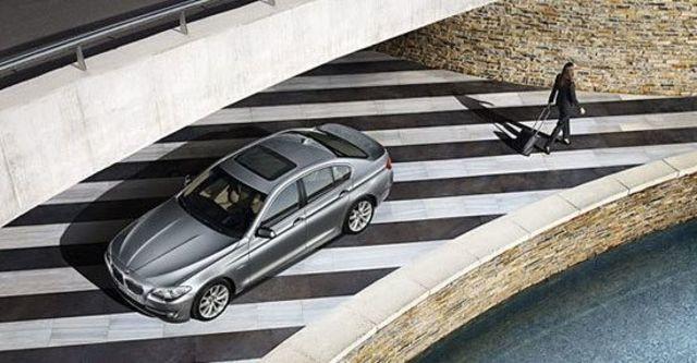 2010 BMW 5-Series Sedan 520d  第4張相片