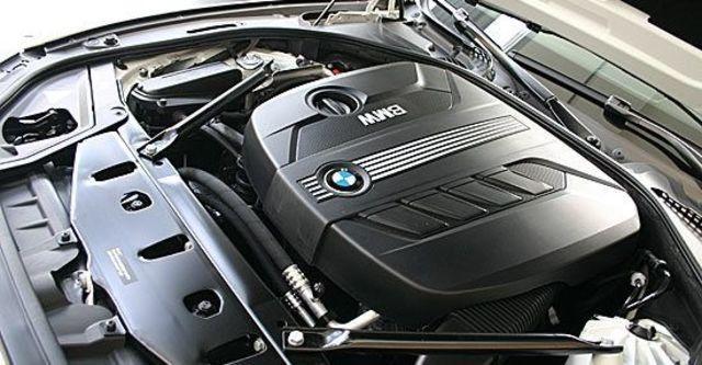 2010 BMW 5-Series Sedan 520d  第6張相片