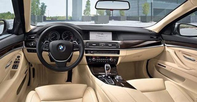 2010 BMW 5-Series Sedan 520d  第8張相片