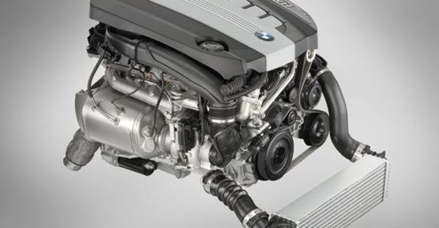 2010 BMW 5-Series Sedan 530d  第10張相片