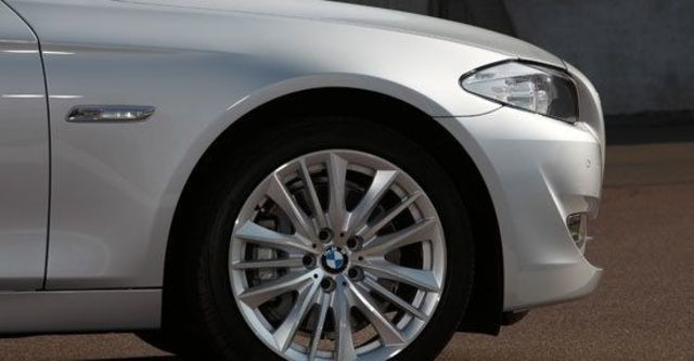 2010 BMW 5-Series Sedan 535i  第6張相片