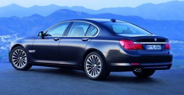 2010 BMW 7-Series 730d  第3張相片