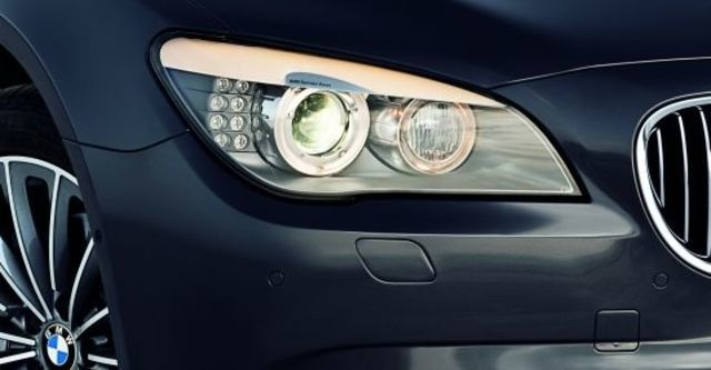 2010 BMW 7-Series 730d  第5張相片