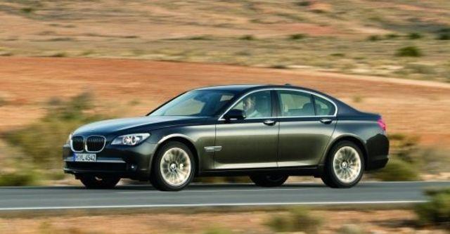 2010 BMW 7-Series 740i  第3張相片