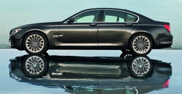 2010 BMW 7-Series 740i  第4張相片