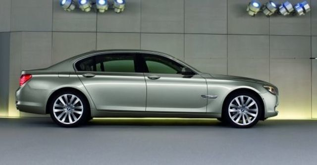 2010 BMW 7-Series 750Li  第4張相片