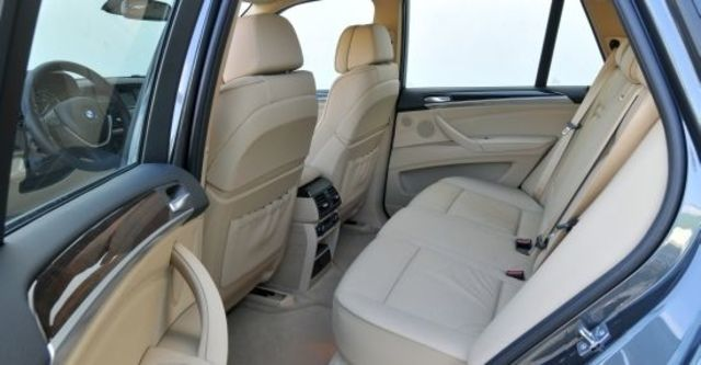 2010 BMW X5 xDrive35i  第7張相片