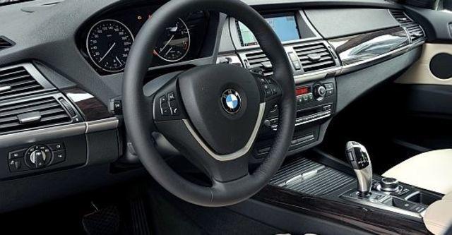 2010 BMW X5 xDrive50i  第6張相片