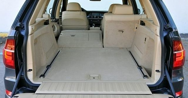 2010 BMW X5 xDrive50i  第7張相片