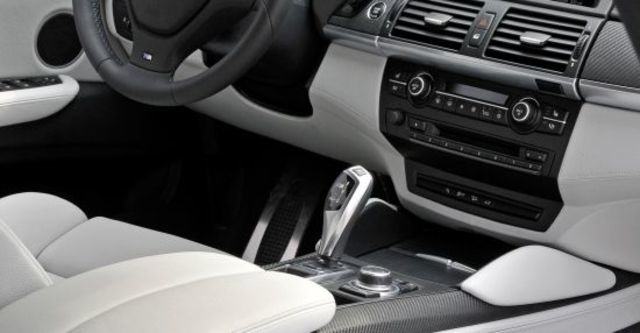 2010 BMW X6 M 4.4  第7張相片