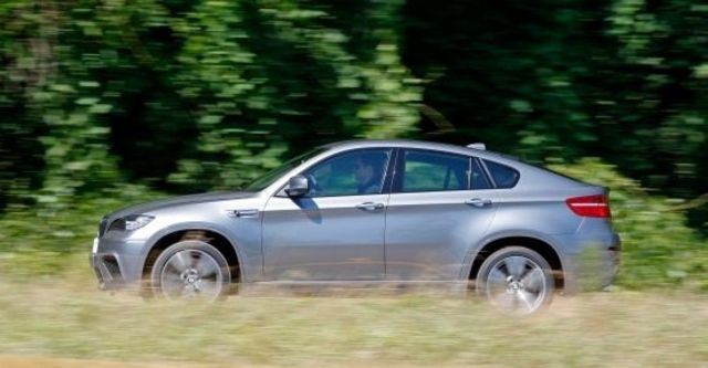 2010 BMW X6 M 4.4  第12張相片