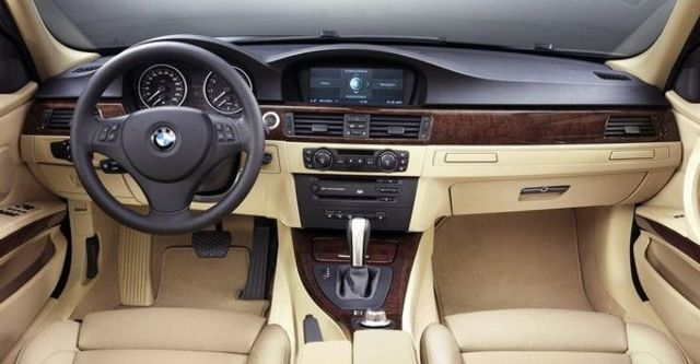 2009 BMW 3 Series Coupe 325i  第8張相片