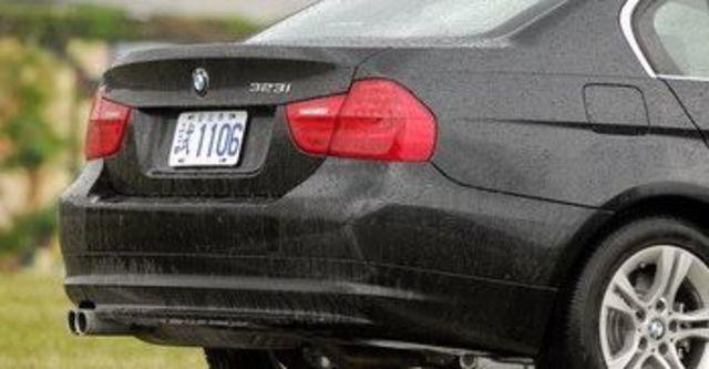 2009 BMW 3-Series Sedan 323i  第6張相片