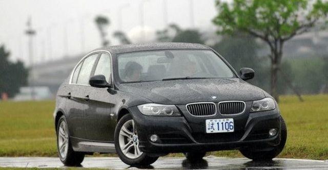 2009 BMW 3-Series Sedan 323i  第7張相片