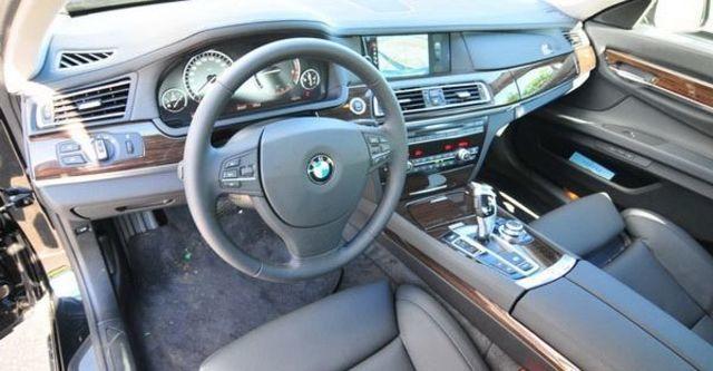 2009 BMW 7 Series 730d  第7張相片