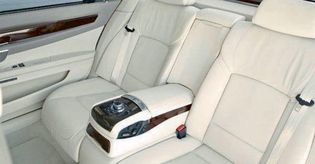 2009 BMW 7 Series 740i  第10張相片