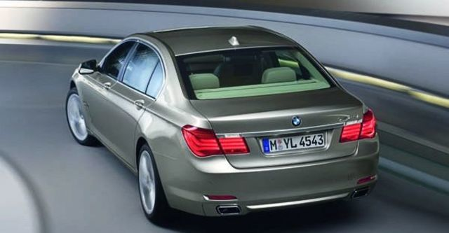 2009 BMW 7 Series 740Li  第6張相片